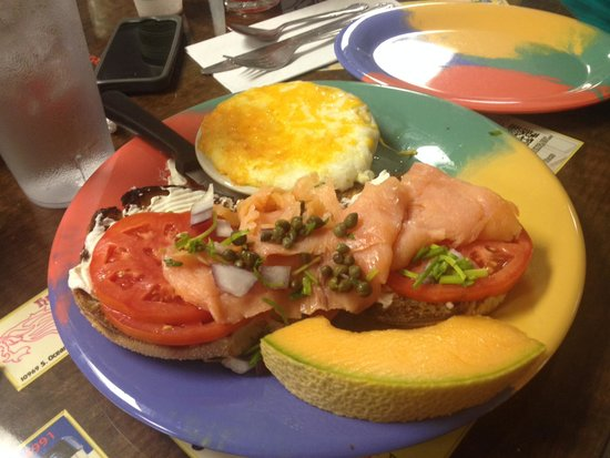 Jan's Place : salmon loxe bagel