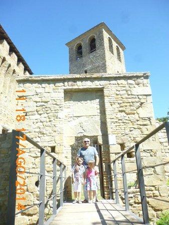 Casina, Italie : L'ingresso al castello