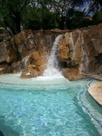 Westin La Paloma Resort and Spa: Cool down pool - 1 of 4 pools