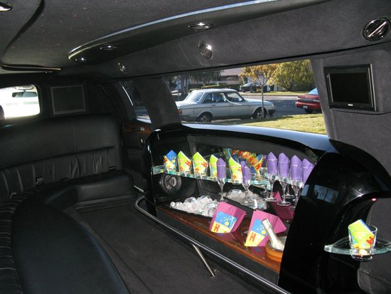 Lincoln Town Car Stretch Limousine Inside View Picture Of Amax