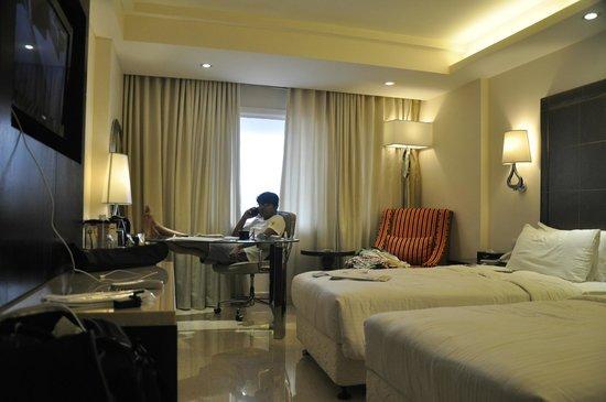 Savera Hotel: me at room