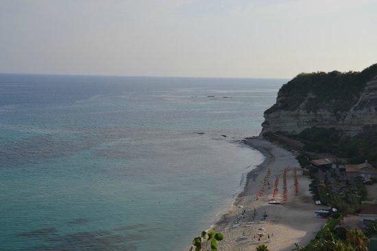 Hotel Villaggio Stromboli : Вид на пляж 2