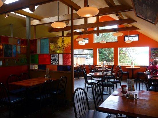 Rock Salt Restaurant & Cafe : inside.