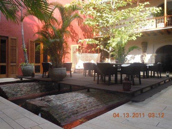 Ananda Hotel Boutique : Belo interior del imóvil de construccion  colonial