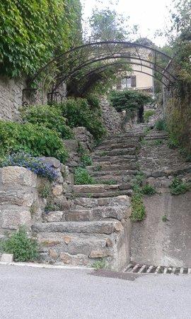 Chateau de Termes: le village