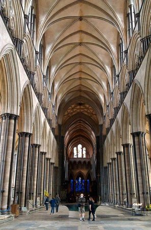 Salisbury Cathedral and Magna Carta: The nave