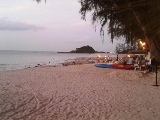Imperial Boat House Beach Resort: Beach