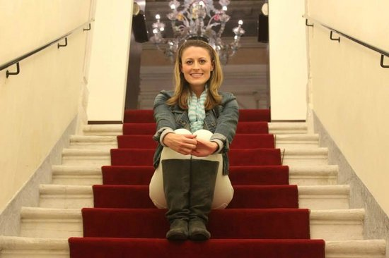 Ruzzini Palace Hotel: staircase inside hotel with beautiful Murano glass chandelier