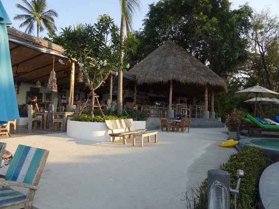 Eden Beach Bungalows : Bar and Resturant
