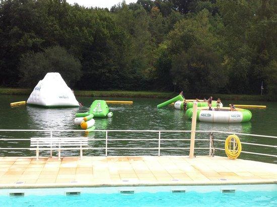 Aux Etangs du Bos : Jeux flottants