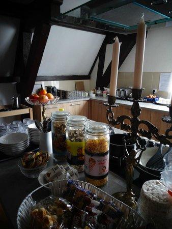 Crown Bed & Breakfast: Breakfast