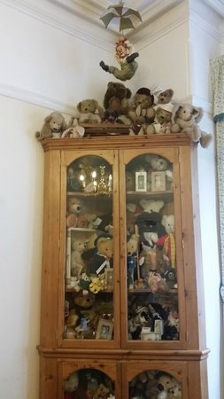Canterbury Lodge: collect Bears so was interested in this collection tucked away in the breakfast room