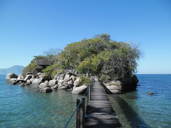 Mumbo Island: The island with the accommodation tents