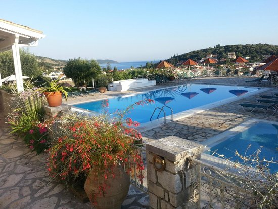 Hotel Lofos Kassiopi : Pool from our room