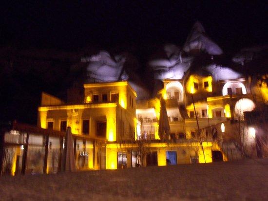 Spelunca Cave Suites: Vista geral do hotel