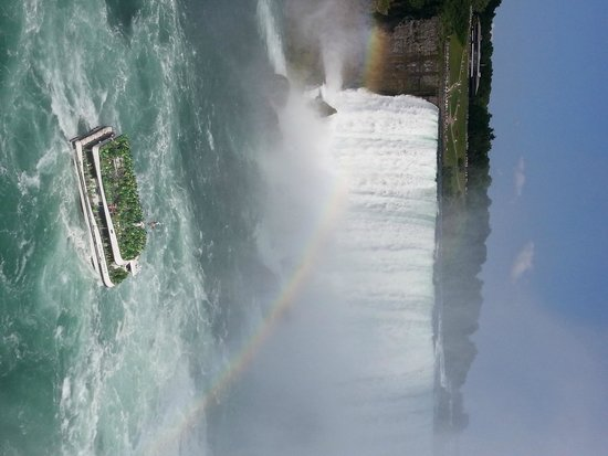 Niagara Falls Marriott Fallsview Hotel & Spa : Down by the water