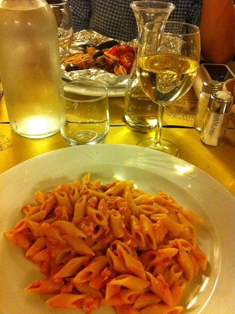 Penne al salmone e spaghetti al cartoccio