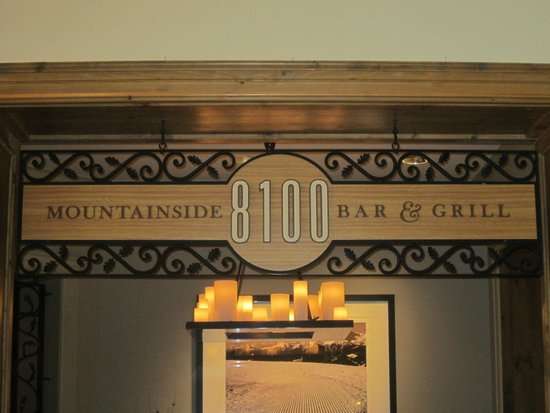 8100 Mountainside Bar & Grill : Signage
