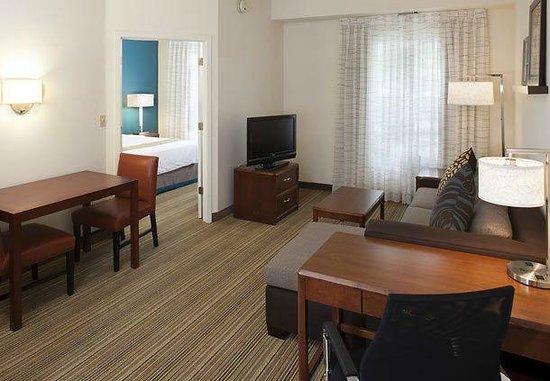Residence Inn Cincinnati Airport: One Bedroom Suite