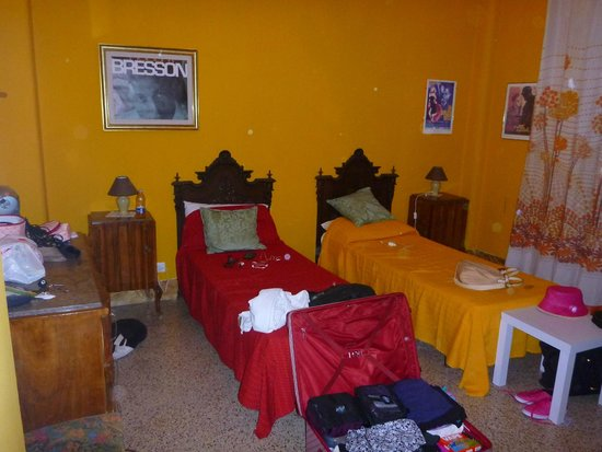 Seralcadio Holiday Apartments: This is room #8 by the front door.