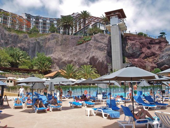 Hotel The Cliff Bay: hotel view from the sea level terrace