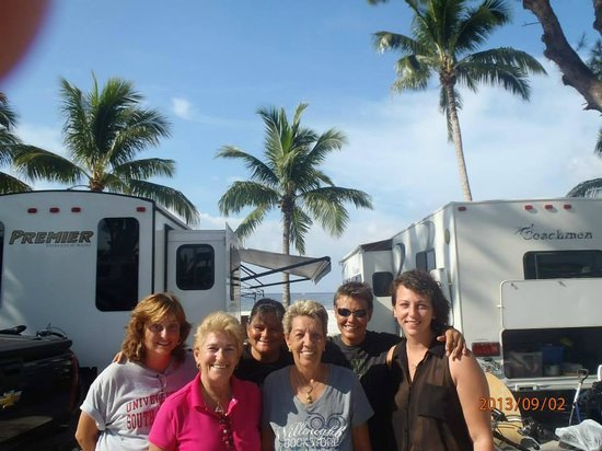 Red Coconut RV Park: Friends at Red Coconut.