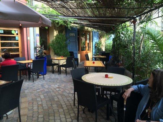 Au Remp'Arts : Outside terrace