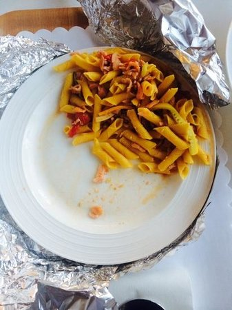 Ascot Apartments: pasta dish straight from the restaurant?