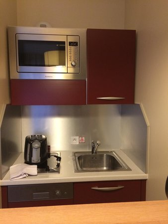 Appart'City Confort Marne la Vallee - Val d'Europe : Mini kitchen