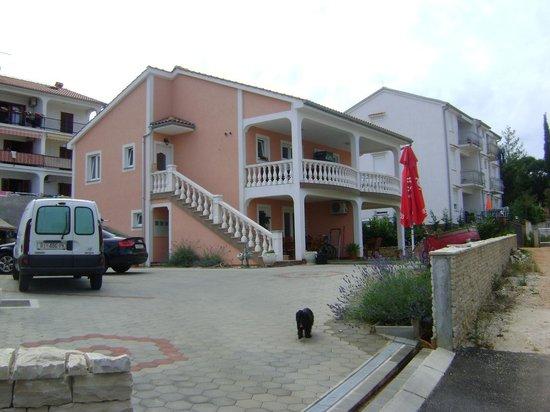 Apartments Krajacic : House 1