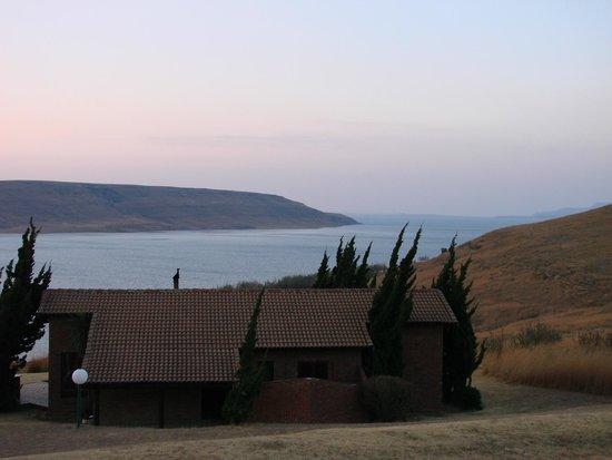 Qwantani Berg and Bush Resort: View over the Sterkfontein Dam.