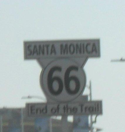 Santa Monica Pier: End of route 66