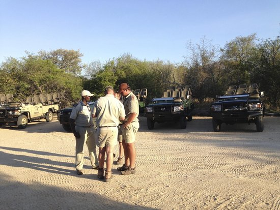 Kapama River Lodge: Personnel et jeep