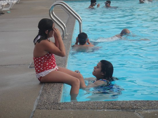 All Star Inn & Suites: having fun at the pool.
