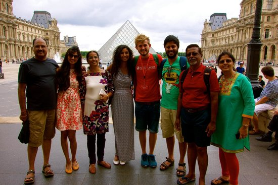 SANDEMANs NEW Europe - Paris : With our amazing guide Connor on the city tour