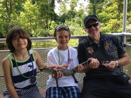 Airboat Adventures : Holding the baby gator