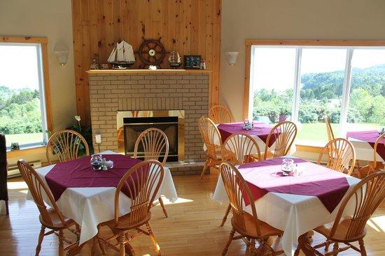 Falcon Ridge Inn: Sunny morning