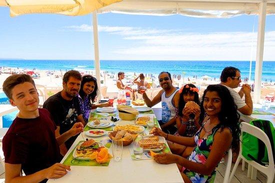 Costa de Caparica: Awesome grilled fish restaurant