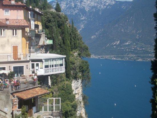 la terrazza - Picture of Hotel Ristorante Miralago, Tremosine ...