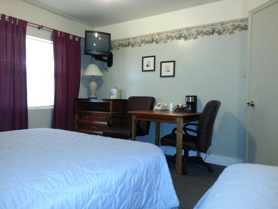 Alpine Lodge and Motel: double room new furniture