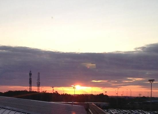 Radisson Blu Hotel, Dublin Airport: Sunrise over Dublin airport