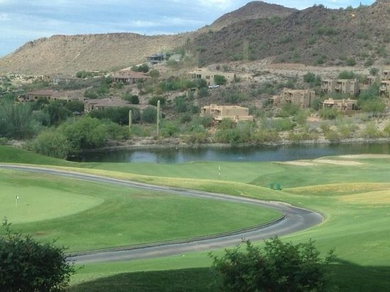 Inn at Eagle Mountain: view from the restaurant over the golf course. Our room can be seen in the center