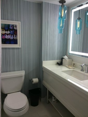 Sheraton Grand Nashville Downtown: Bathroom