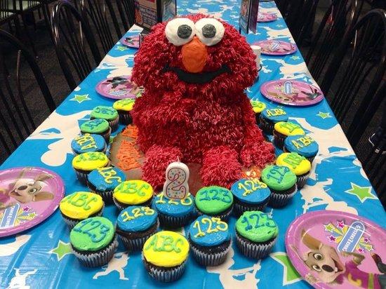 Connie's Cakes & Cookies: Elmo