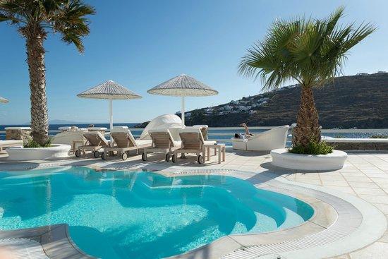 Nissaki Boutique Hotel: Pool area