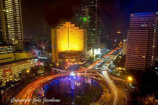 Mandarin Oriental Jakarta: View from the Front of Hotel on Ramadan eve