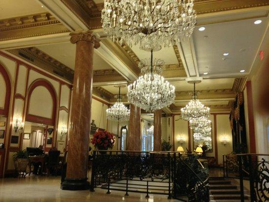 Le Pavillon Hotel: The main lobby of  the hotel