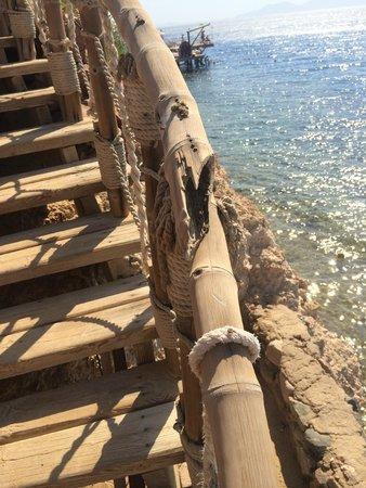 Maritim Jolie Ville Golf & Resort: Поручни на пляже