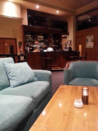Golden Tulip Vivaldi Hotel: Bar/Lobby  area