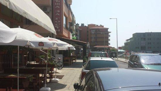 Mirage of Nessebar: Gaden ned til hotellet.